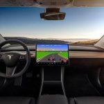 Бортовой компьютер в автомобилях Tesla превратят в игровой