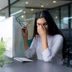 Какие привычки вредят зрению во время работы и в повседневной жизни